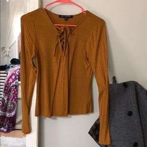 cute lace up long sleeve top!